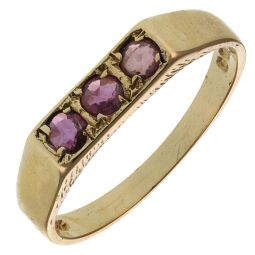 Pre-Owned 9ct Yellow Gold Ruby Ring  - 1.7g