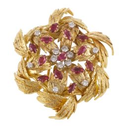 Pre-owned 18ct Yellow Gold Diamonds And Red Garnets Brooch - 32g