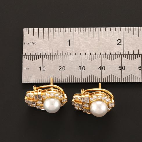 Pre-Owned 18ct Yellow Gold Diamond Cluster Earrings - 10g  Diamond Gold