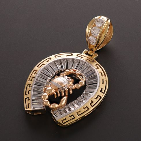 Pre-Owned 18ct Gold CZ Horse Shoe Pendant - 13G Cubic Zirconia Gold